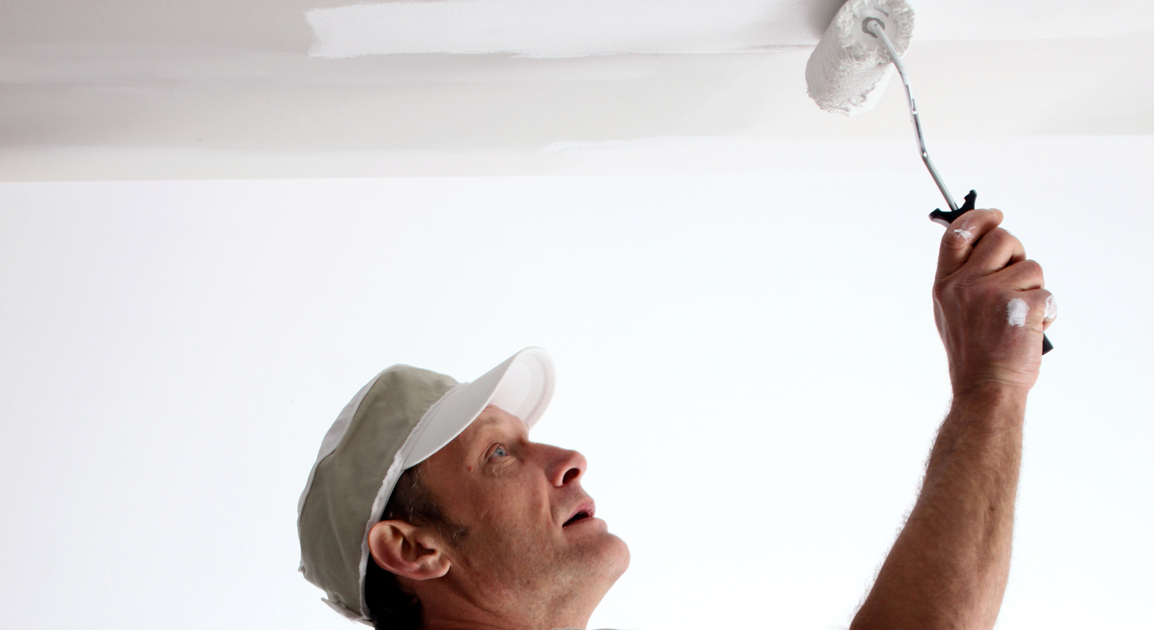 Painting a ceiling like a professional mf paints - Repeindre un plafond ...