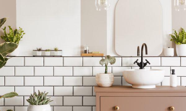 8conseils de pro pour peinturer votre salle de bain avec brio!